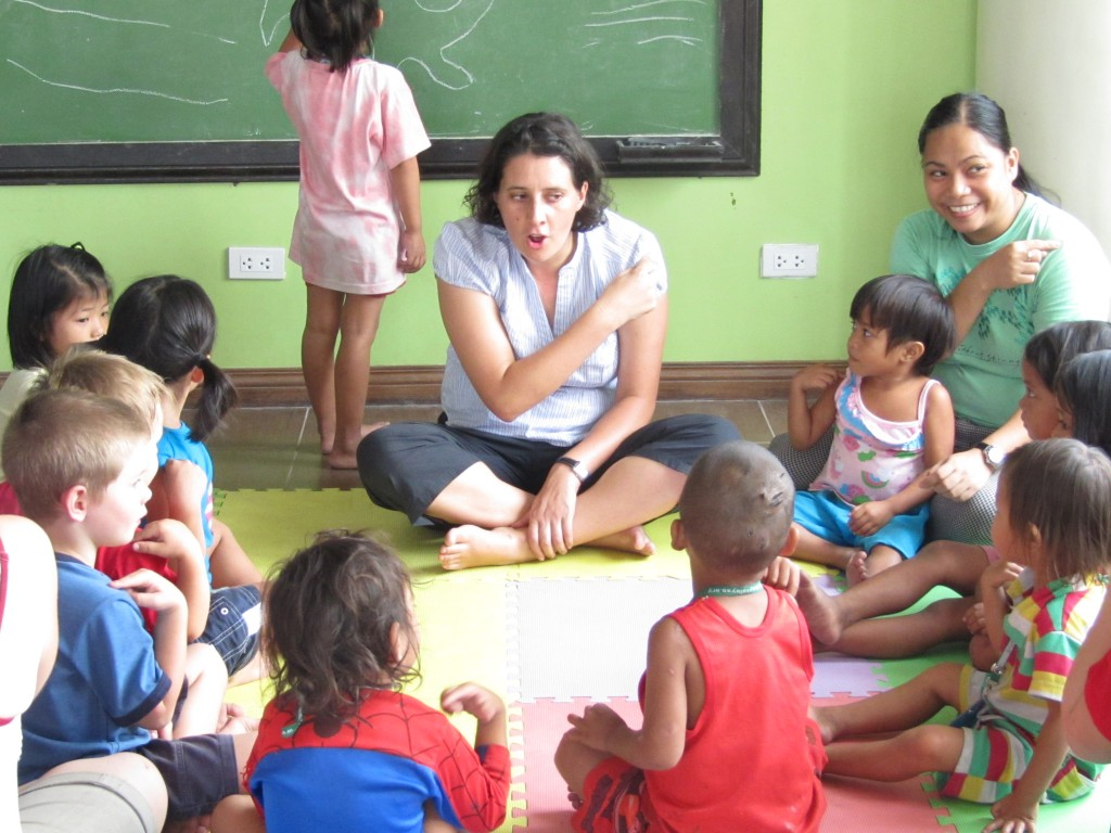 The 'PlayClub' - a kinder program for street children at the centre in Manila. Australian Catherine is facilitating this program.